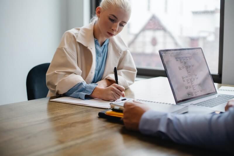Ouvrir un compte bancaire permet de simplifier la comptabilité de son association