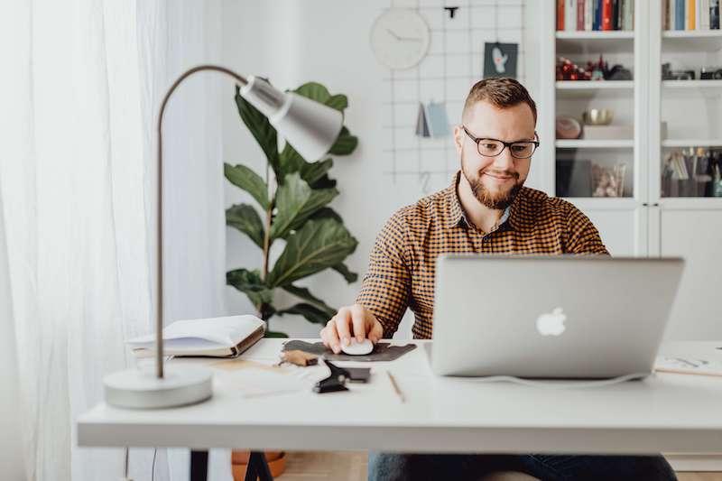 Tout savoir sur l'immatriculation d'une entreprise au Registre du Commerce et des Sociétés (RCS).