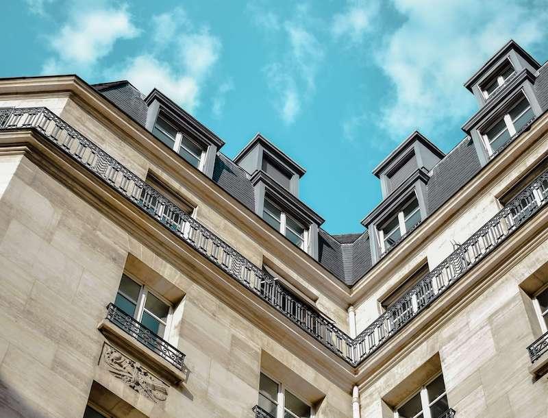 Comment choisir entre SCI et indivision pour la gestion d'un bien immobilier ?