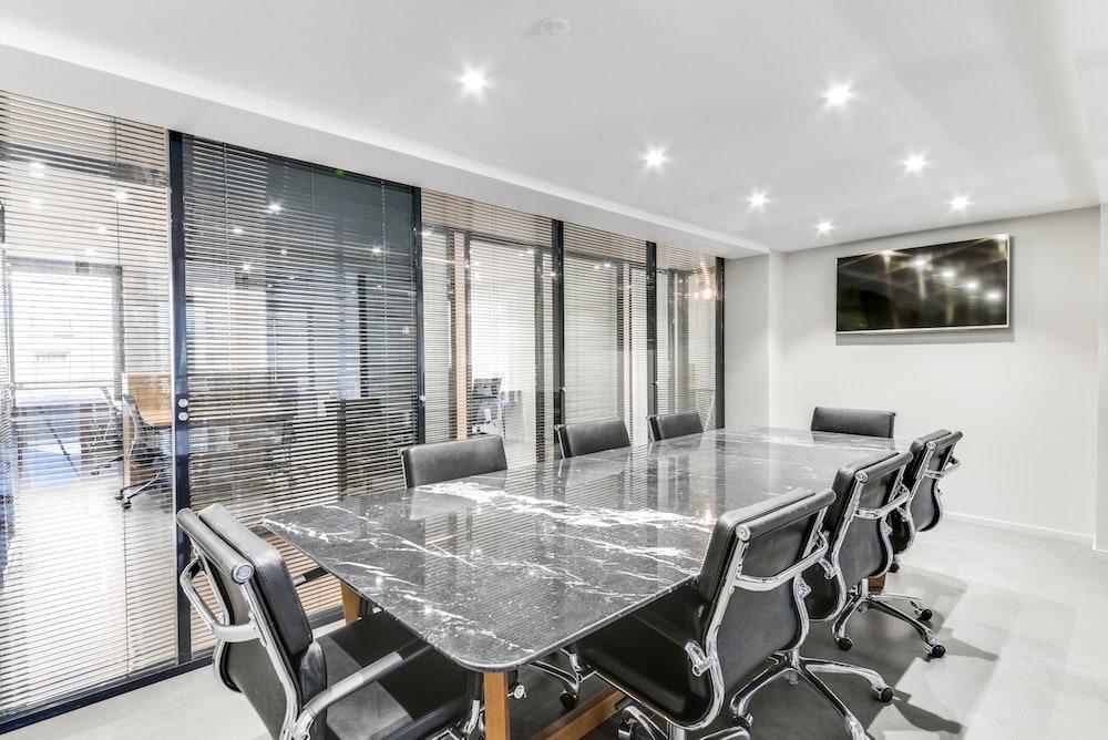 Profitez d'un réseau de centres d'affaires pour réserver des salles de réunion
