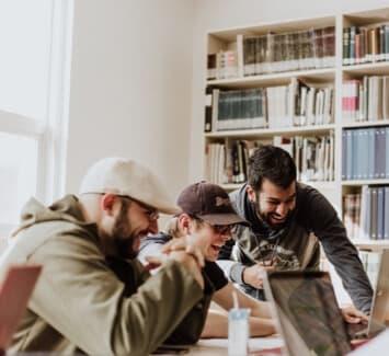 Auto-entrepreneur ou micro-entrepreneur : il est important de savoir que vous êtes également soumis au paiement des cotisations sociales.