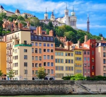 Domiciliation d'entreprise en ligne : les atouts de Lyon.