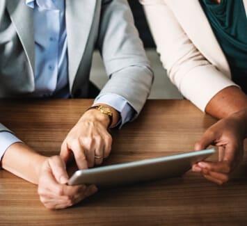 Créer une micro entreprise ou opter pour le portage salarial dépend de vos objectifs, de votre secteur d'activité et de votre mode de fonctionnement.