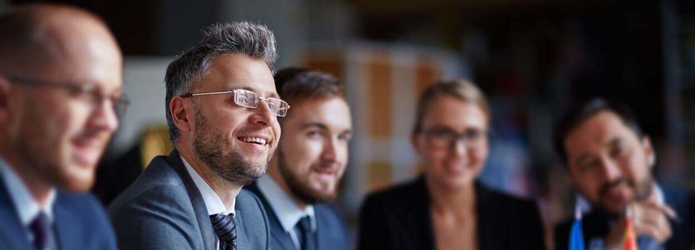 Statut TNS ou salarié : bien que très différents, ces deux statuts offrent tous deux un certain nombre d'avantages pour le chef d'entreprise.