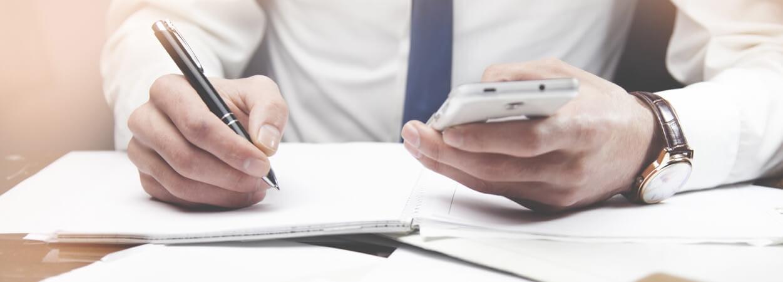 Le greffe du tribunal de commerce a notamment des rôles centraux dans les phases de création d'entreprise, de dépôt des comptes annuels et enfin de transfert de siège social.