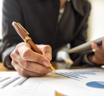Le montant réel des frais légaux à payer lors de la création d'une entreprise ou du transfert de son siège social n'est pas toujours clair.