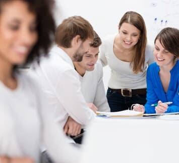 Pour fonder une société unipersonnelle vous aurez ainsi le choix entre une EURL ou Entreprise Unipersonnelle à Responsabilité Limitée, et une SASU ou Société par Actions Simplifiées Unipersonnelle.
