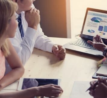 Créer son entreprise c'est une série d'étapes à respecter dans l'ordre afin d'avoir un dossier complet et sans faille pour le dépôt final.