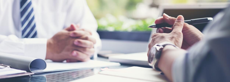 Transformer une entreprise individuelle en société permet d'accueillir de nouveaux associés et leurs actifs.
