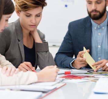 Il existe différentes manières d'augmenter le capital social d'une entreprise. L'incorporation des réserves est un procédé courant, permettant d'éviter le recours à des apports d'associés.