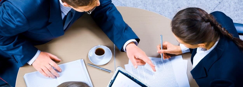 Entreprise : la déclaration et la protection d'un nom commercial sont des procédures relativement simples ne nécessitant que peu d'investissement.