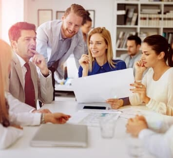 Reprendre ou créer une entreprise possède chacun ses avantages et ses inconvénients.