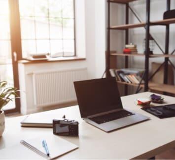 Domicilier son entreprise via une société de domiciliation commerciale permet d'obtenir une adresse située dans un quartier d'affaires ou prestigieux pour son siège social.
