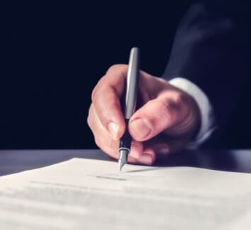 Tout connaitre sur les différences entre un contrat de domiciliation et une attestation