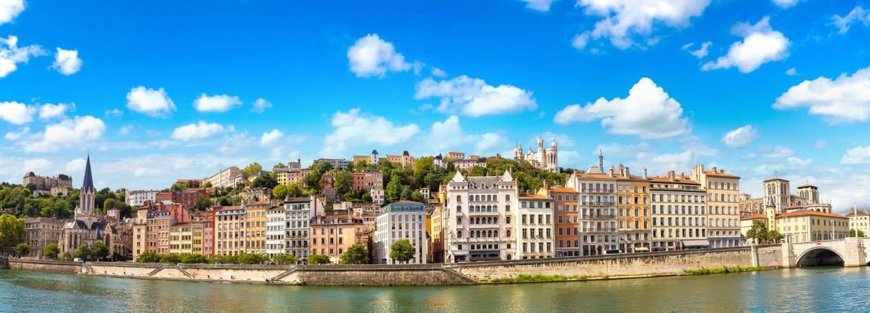 Entrepreneurs, découvrez comment domicilier votre entreprise dans les plus grandes villes de France.