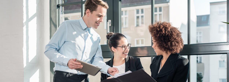 Comme dans un certain nombre de formes d'entreprises, il est possible de céder des parts sociales au sein d'une SCI.