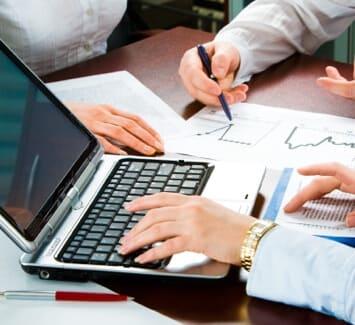 Créer une EIRL ou une EURL, choisissez votre statut en prenant en compte toutes les informations essentielles.