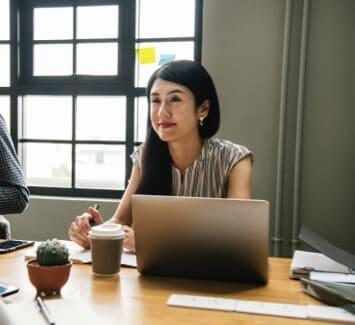 Les SASU attirent de nombreux entrepreneurs en raison des facilités de création et de gestion permises par ce statut.