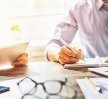 Auto-entrepreneur, voici quelques conseils pour payer moins d'impôts.