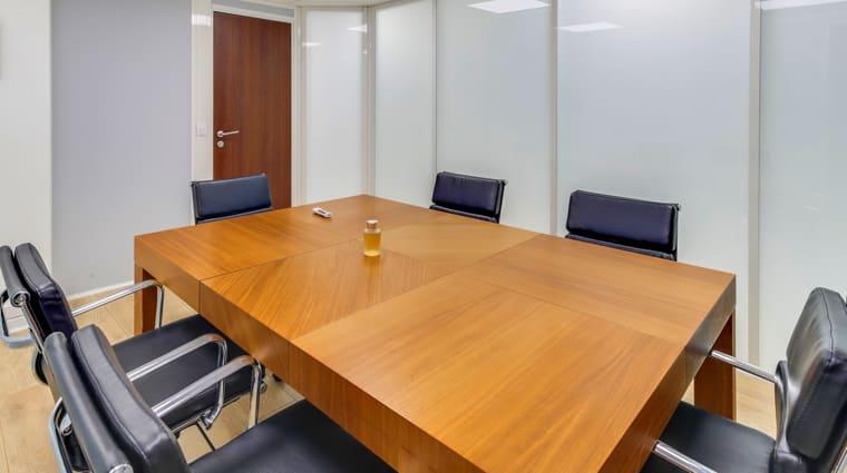 Des salles de réunion pour recevoir vos clients et prospects