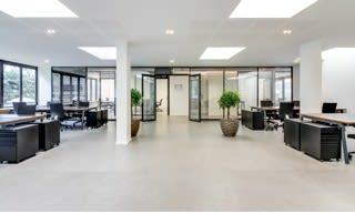 Un centre d'affaire pour accueillir vos clients et partenaires.