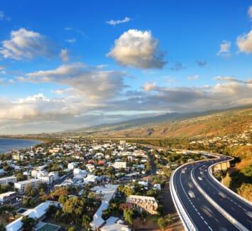 Domicilier son entreprise sur l'Île de la Réunion présente de nombreux avantages à connaître.