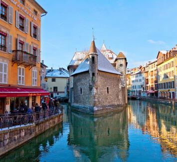 Avec la domiciliation en ligne, obtenez un siège social à Annecy en quelques minutes
