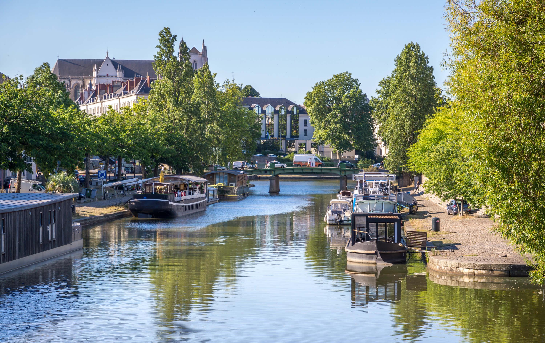 Domicilier son siège social dans la ville de Nantes permet d'être proche de sa clientèle.