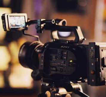 La création d'une société de production audiovisuelle nécessite plusieurs étapes : tous nos conseils