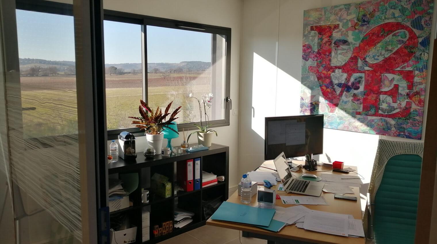 Notre centre d'affaires réceptionne votre courrier quotidiennement sur Aix-en-Provence