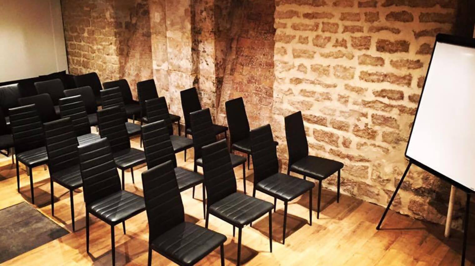 Notre centre d'affaires vous permet d'organiser des réunions avec prospects et clients.
