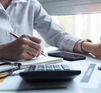 Il faut compter environ 70 € HT/mois pour un cabinet d'expertise-comptable en ligne