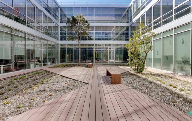 Un magnifique centre d'affaires pour recevoir vos clients, prospects ou partenaires.