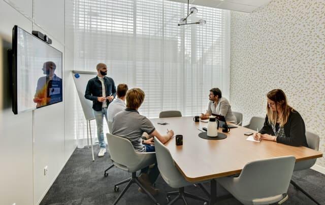 Des salles de réunion sur réservation sont à votre disposition.