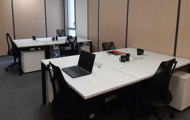 Des bureaux et salles de réunion sont à votre disposition sur réservation.