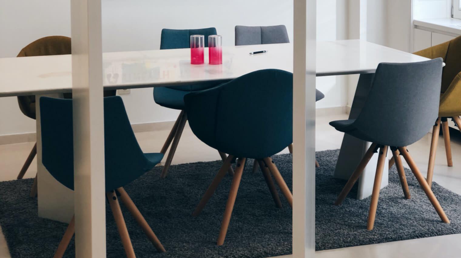 Des salles de réunions totalement équipées en matériel pour vous aider dans votre activité.