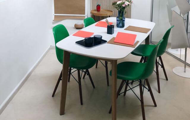 Des salles de travail pour booster votre activité en groupe.