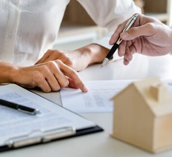 Agent immobilier indépendant : quel statut juridique choisir pour lancer son activité ?