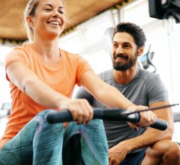Le métier de coach sportif devient de plus en plus populaire dans le monde du fitness, il est possible de le devenir en peu de temps !