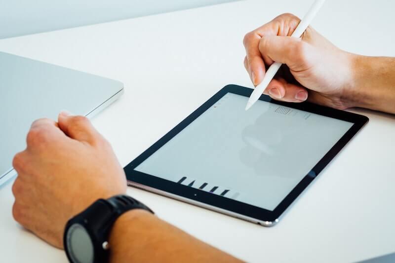 Devenir graphiste freelance en quelques étapes simples.