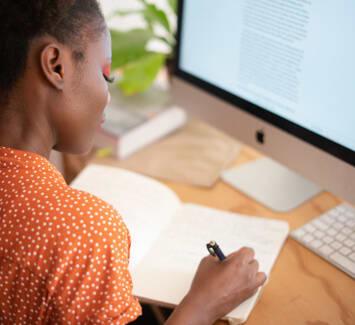 Il est important de choisir le meilleur statut juridique pour ses missions de traduction freelance.