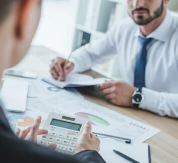 L'expert-comptable conseille et oriente les entreprises dans leurs prises de décision
