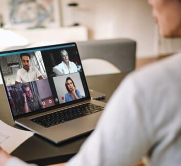 Pour les salariés et les indépendants, le télétravail est une réelle opportunité d'aborder leur travail de manière plus sereine.