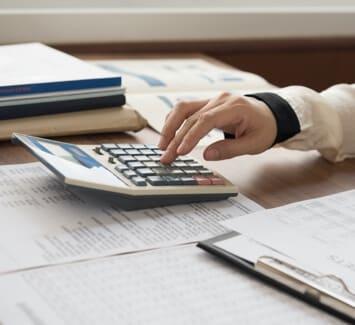 En Belgique, il est nécessaire d'établir le bilan comptable de son entreprise annuellement