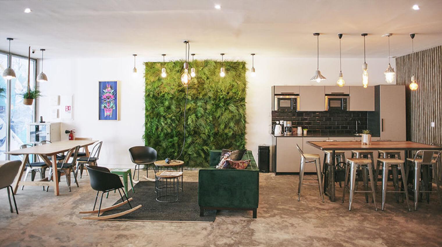 Des espaces conviviaux sont à votre disposition dans notre centre d'affaires