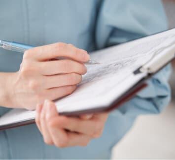 Le code NAF est attribué aux entreprises par l'INSEE, découvrez en quoi il est utile.