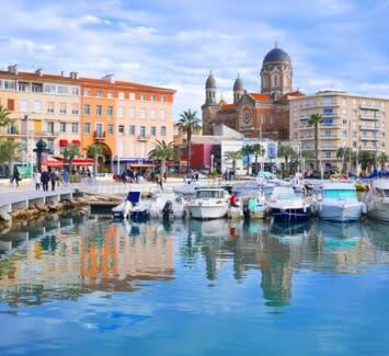 Domiciliez le siège social de votre entreprise à Saint-Raphaël et profitez du dynamisme de cette ville.