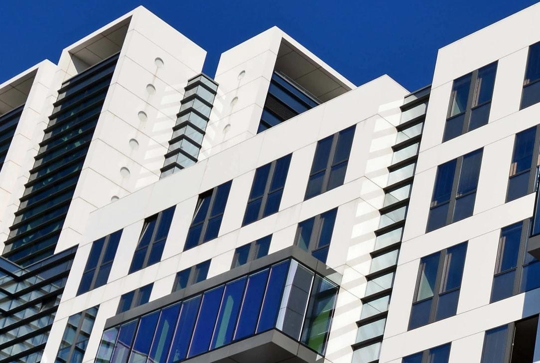 Bénéficiez des avantages d'une adresse de domiciliation à Neuilly-sur-Seine pour votre entreprise.