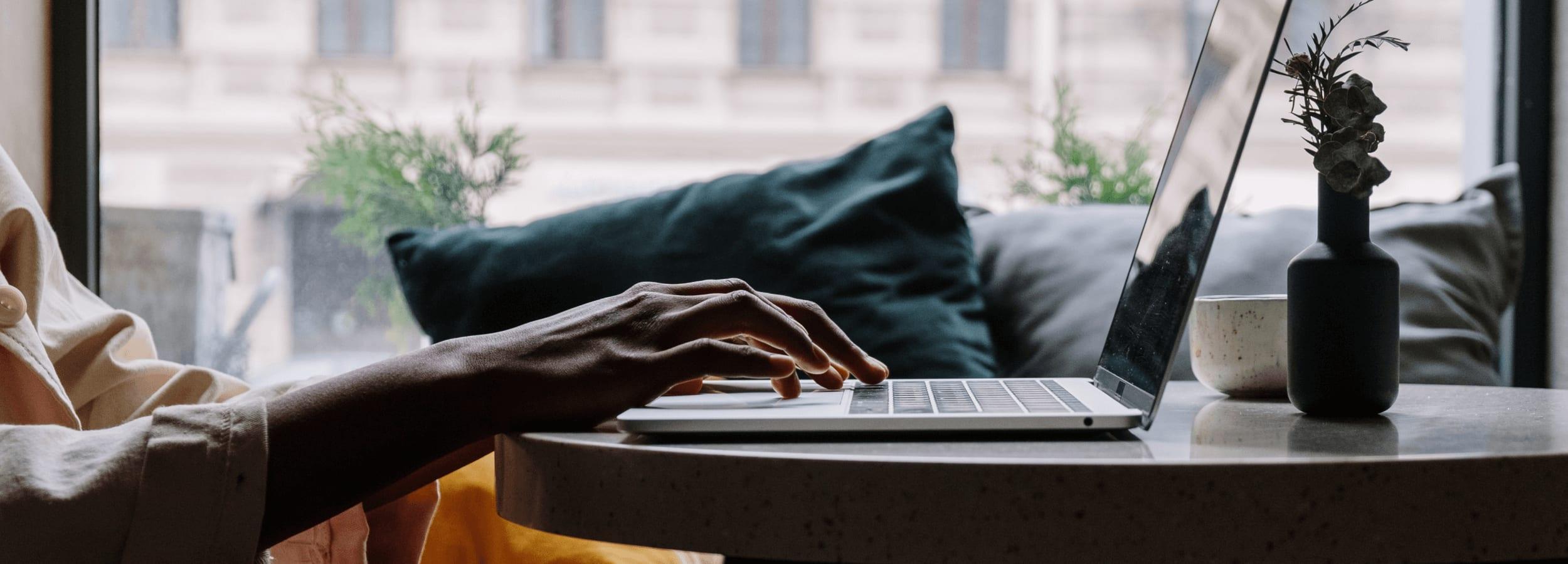 Création d'entreprise en ligne : les avantages de la domiciliation.