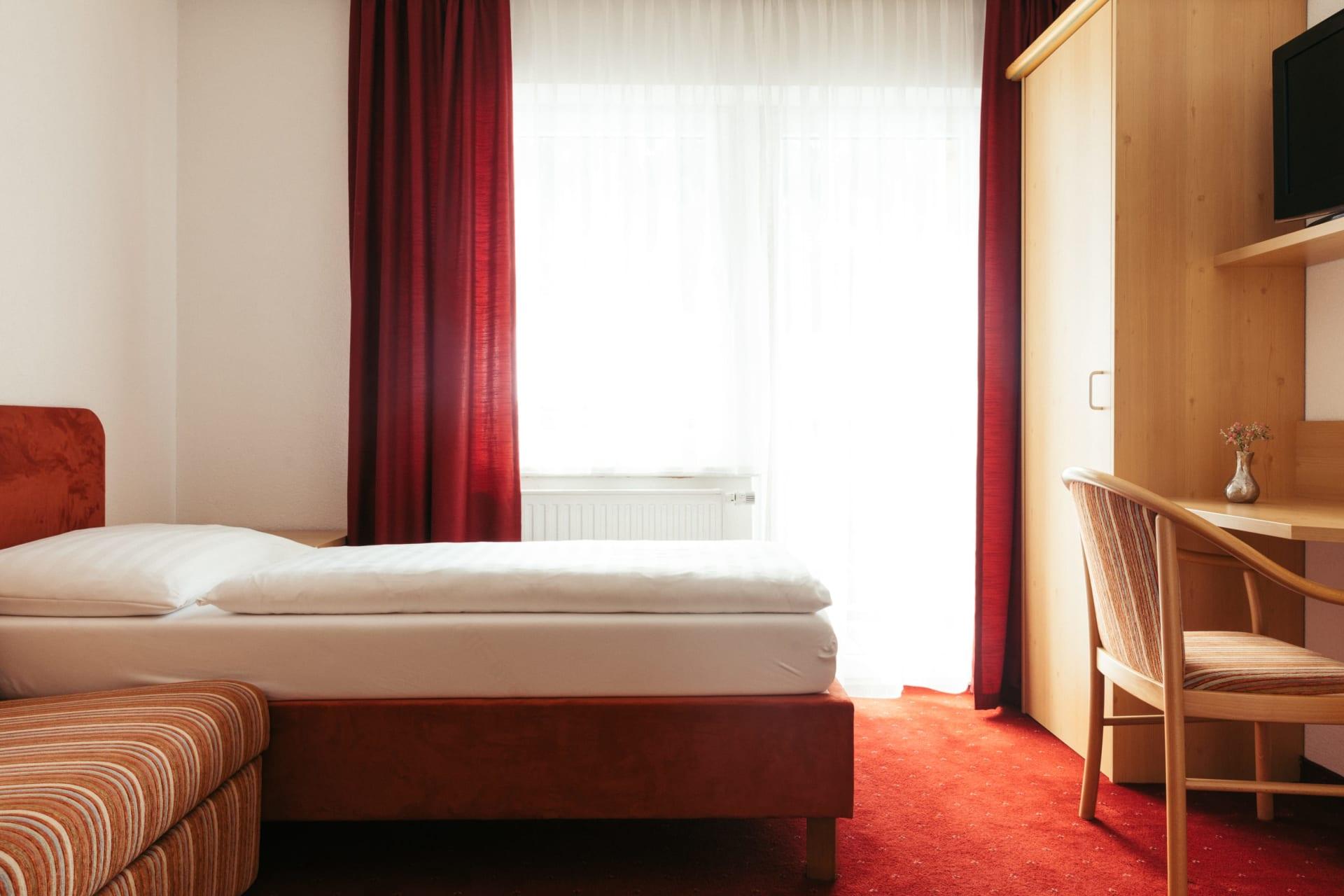 abtrennbarer Schlafbereich für Kinder im großen Familienzimmer